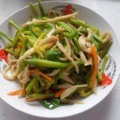 杏鲍菇炒鲜黄花菜