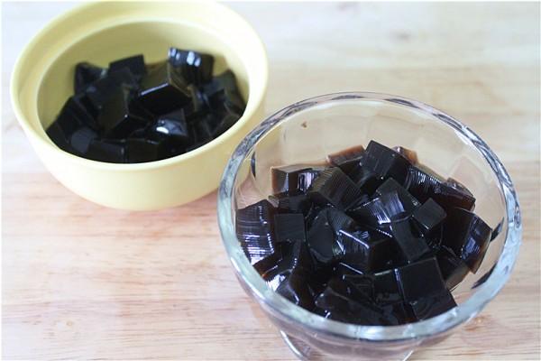 椰浆蜜豆龟苓膏的家常做法