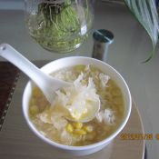 鸡蛋银耳玉米粥