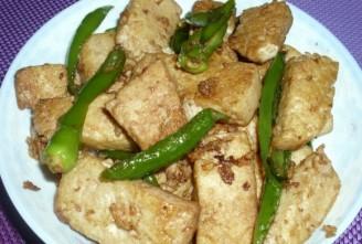 朝天椒炒豆腐的做法