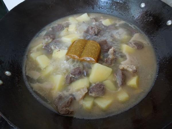咖喱土豆牛腱怎么做