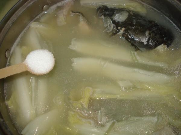 鱼划水煮绿豆粉丝怎样煸