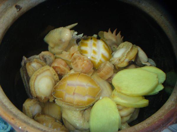 鲜鲍鱼煲鸡怎么做