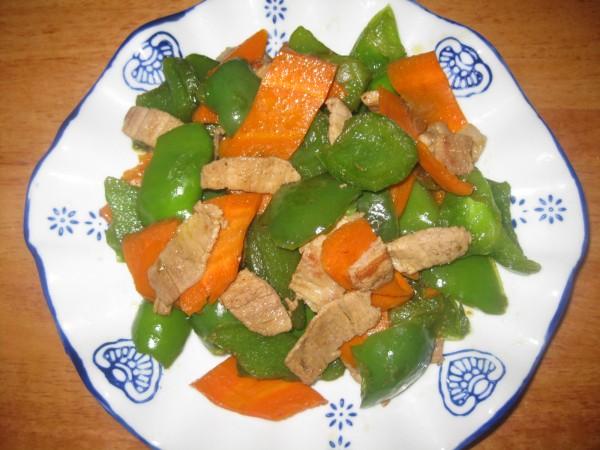 青椒胡萝卜炒肉怎么炖