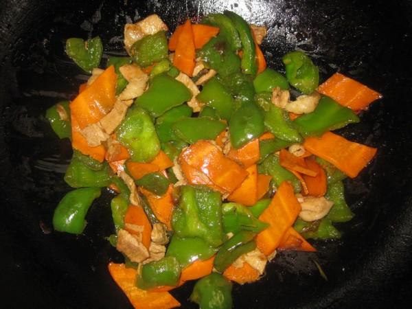 青椒胡萝卜炒肉怎么煮