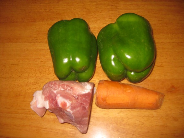 青椒胡萝卜炒肉的做法大全
