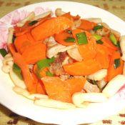 胡萝卜白玉菇炒五花肉