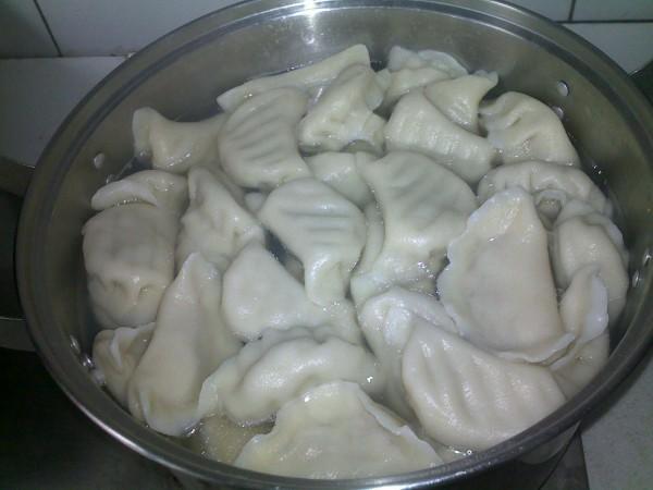 莲藕饺子的做法【步骤图】_菜谱_美食杰