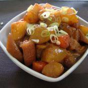 双色萝卜红烧肉