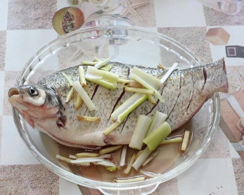 豆豉蒸鱼的简单做法