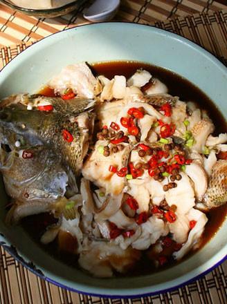雙椒蒸鱸魚的做法