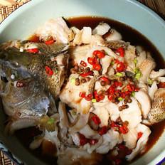 双椒蒸鲈鱼