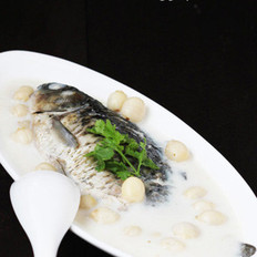 莲子鲫鱼汤