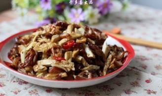 白辣椒熏豆干炒腊肠的做法
