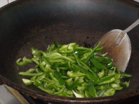 青椒豆干炒肉丝的简单做法