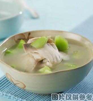 菠菜鱼片汤的做法