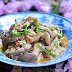 剁椒平菇炒肉絲