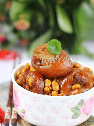 猪蹄炖黄豆的做法
