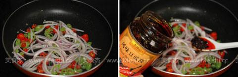 青红椒拌鸡丝的家常做法