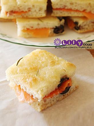 橄榄迷迭香佛卡夏面包的做法