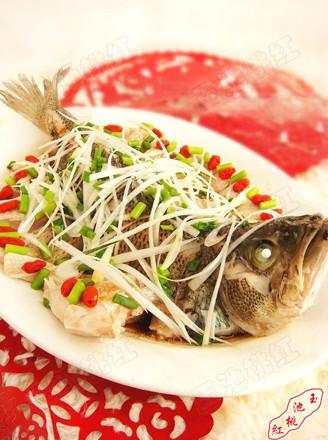 清蒸开屏鲈鱼的做法