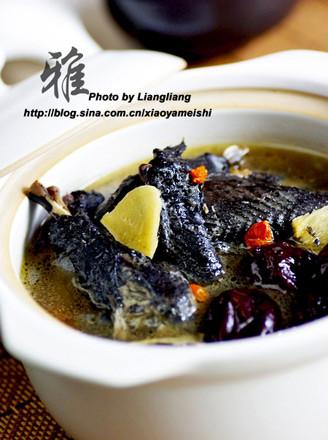 红枣乌鸡汤的做法