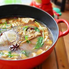 铁锅鱼头炖豆腐