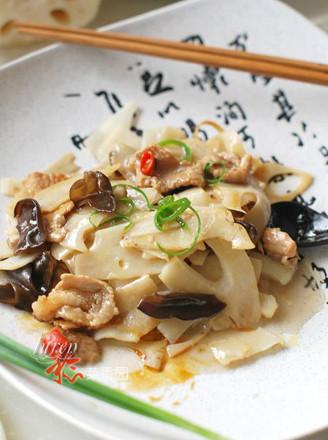 莲菜炒肉片的做法