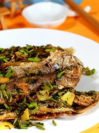 干煸香椿黄鱼的做法