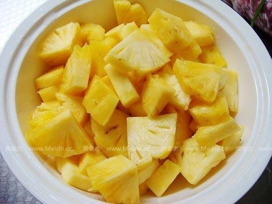 自制菠萝罐头的做法大全