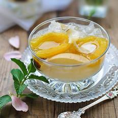 枇杷雪梨银耳百合甜汤
