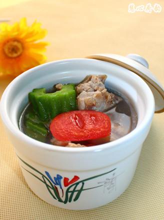 番茄苦瓜藜麥排骨湯的做法