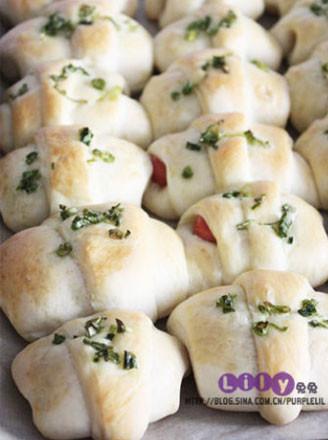 香蔥腸仔面包卷的做法