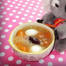 木瓜雪耳鹌鹑蛋糖水