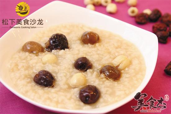 红枣桂圆莲子粥的做法大全