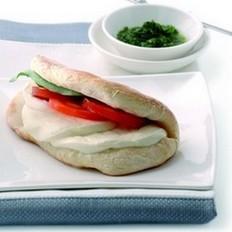 西红柿奶酪烤法国面包