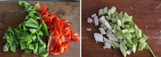 辣椒肉末炒皮蛋的做法图解