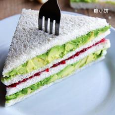 树莓酱酪梨三明治
