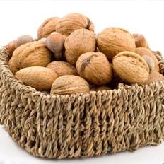 糖尿病吃核桃可降低胆固醇