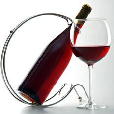吃肉时喝杯红酒助减少胆固醇