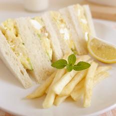 马铃薯沙拉面包