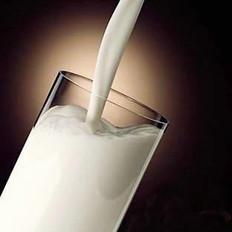 10类人不适合睡前喝牛奶