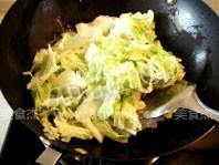 白菜炒木耳的家常做法