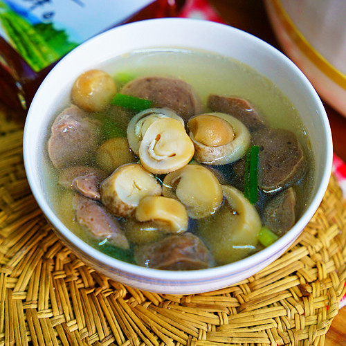 草菇牛肉丸汤