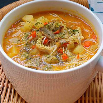 咖喱鸡肉面汤