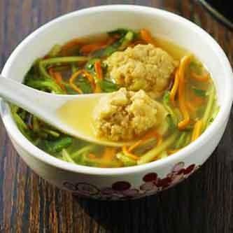 豆苗汆丸汤