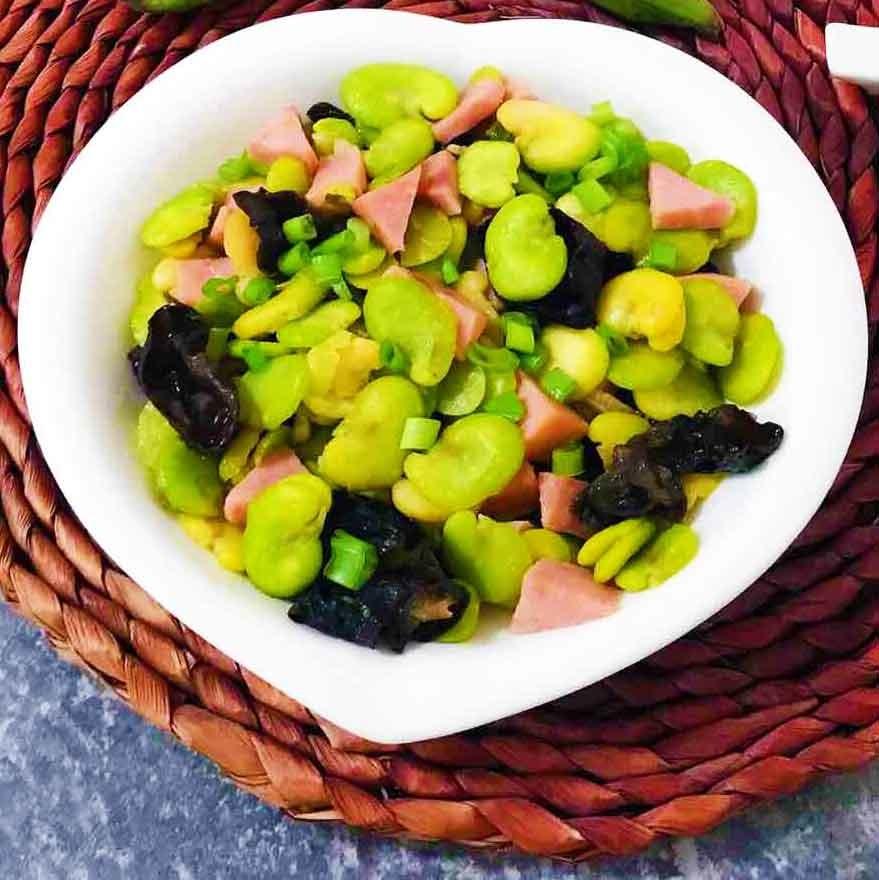 火腿香蚕豆