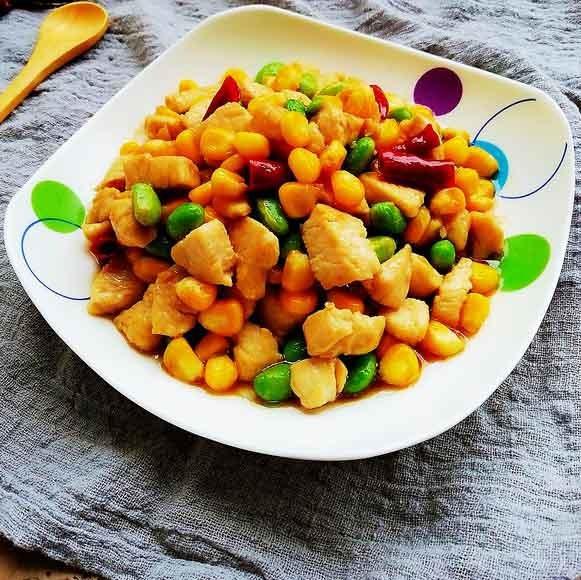 玉米炒鸡丁