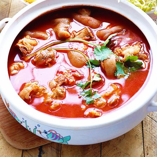 番茄杂菜猪蹄锅
