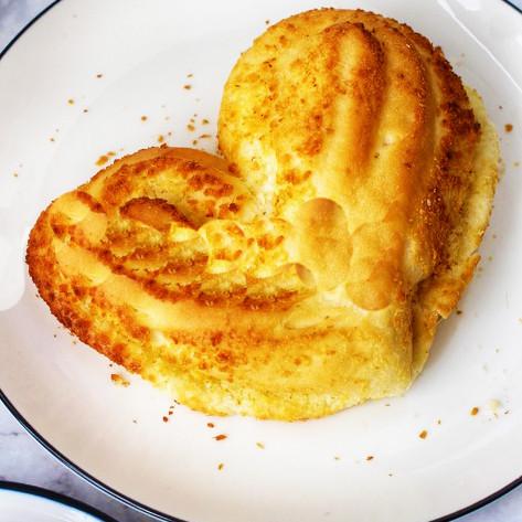 软又脆|心形椰丝小面包
